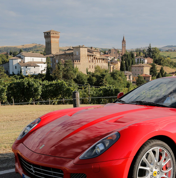 Test Drive con le Ferrari e tour enogastronomici a Maranello e dintorni