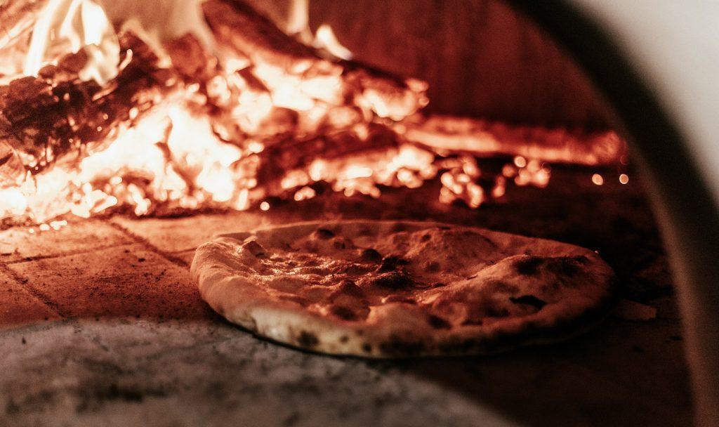Pizza al forno oppure carne alla grilia a Maranello